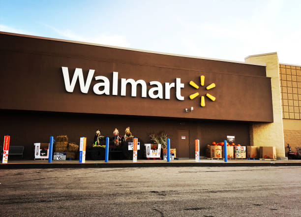 Walmart Supercenter in Pittsburgh Pittsburgh, USA - September 25, 2017   Walmart Supercenter in Robinson Township, west of downtown Pittsburgh.  iPhone taken on mobile device stock pictures, royalty-free photos & images