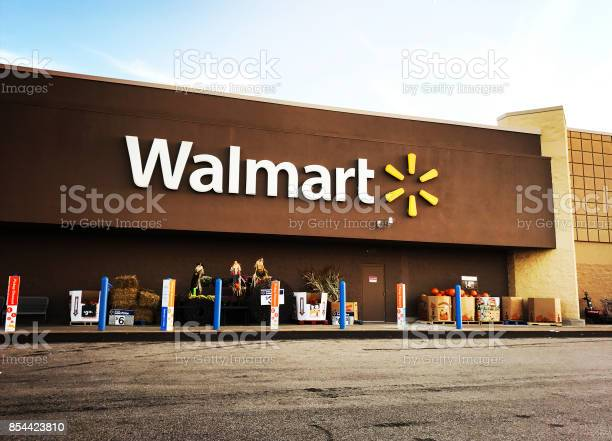 Walmart Supercenter In Pittsburgh Stock Photo - Download Image Now
