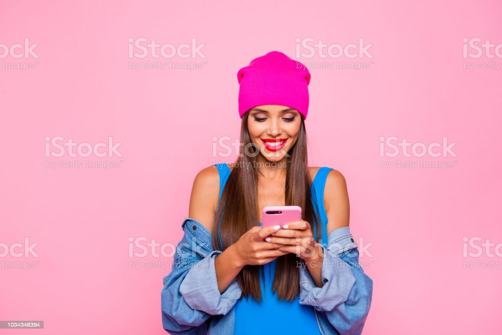 I want like on instagram! Crazy subscriber addicted people person concept. Close up photo portrait of attractive funny cheerful toothy lady using holding cellular in hand isolated bright background - Zbiór zdjęć royalty-free (Aplikacja mobilna)
