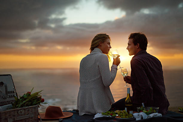 i want to spend every sunset with you - romantisches picknick stock-fotos und bilder