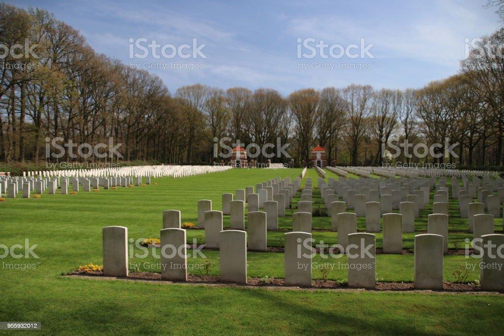 Militaire begraafplaats in Oosterbeek voor gelogen troepen uit de oorlog van de wereld van de slag om Arnhem foto