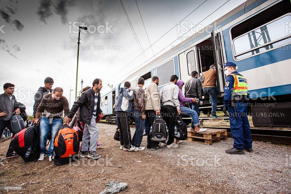 Kriegsflüchtlinge im Zakany Bahnhof – Foto