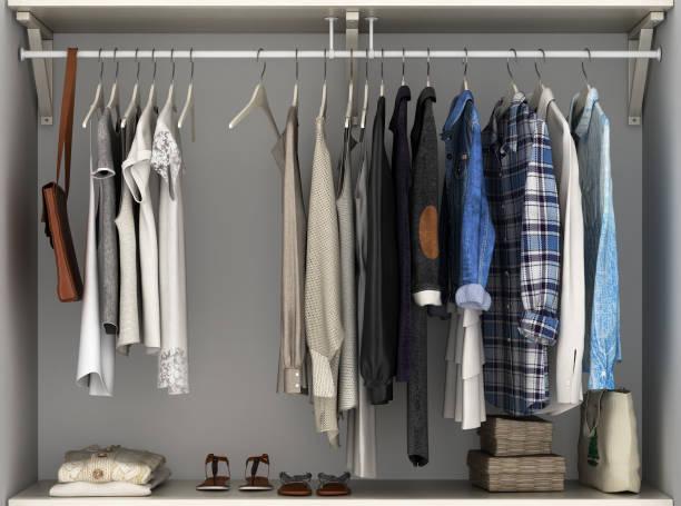 eingebaute wand garderobe mit kleidung 3d render - kleiderschrank ohne türen stock-fotos und bilder