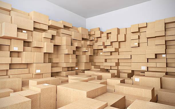 倉庫の多くの段ボール箱 ストックフォト