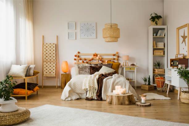 Warm bedroom interior – zdjęcie