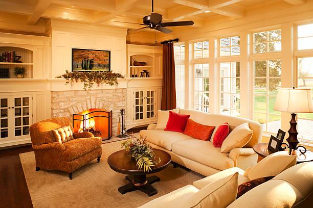 warme eleganten, lichtdurchfluteten wohnzimmer. - feng shui einrichten stock-fotos und bilder
