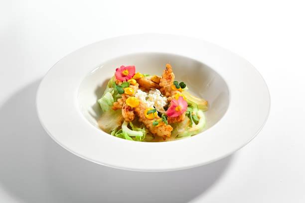 Warmer Salat mit knusprigen Langusten – Foto