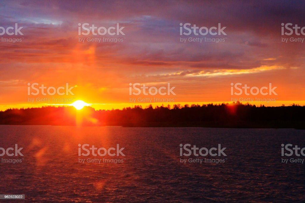 warm sunrise from the forest shore on the seafront - Royalty-free Bahamas Stock Photo