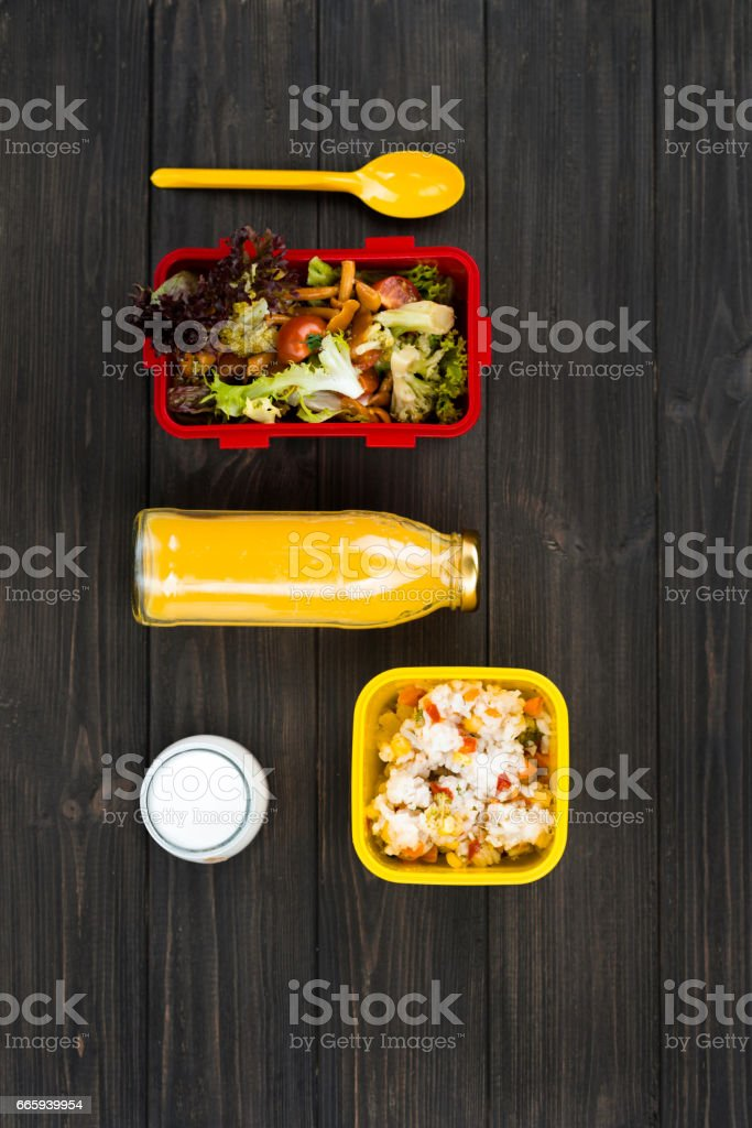 Warm tasty dinner waiting for student foto stock royalty-free