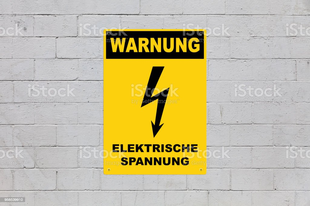 Warnung Elektrische Spannung Stock Photo & More Pictures of ...