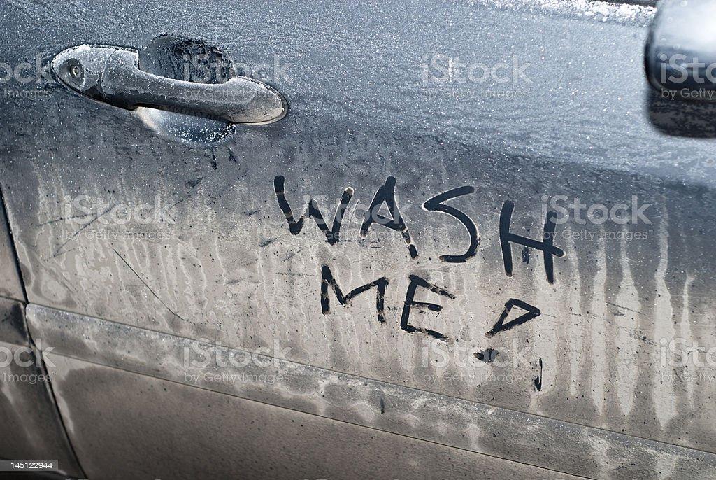 me-Schild auf Auto schmutzig – Foto