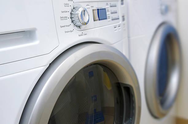 洗濯機と乾燥機 - 衣類乾燥機 ストックフォトと画像