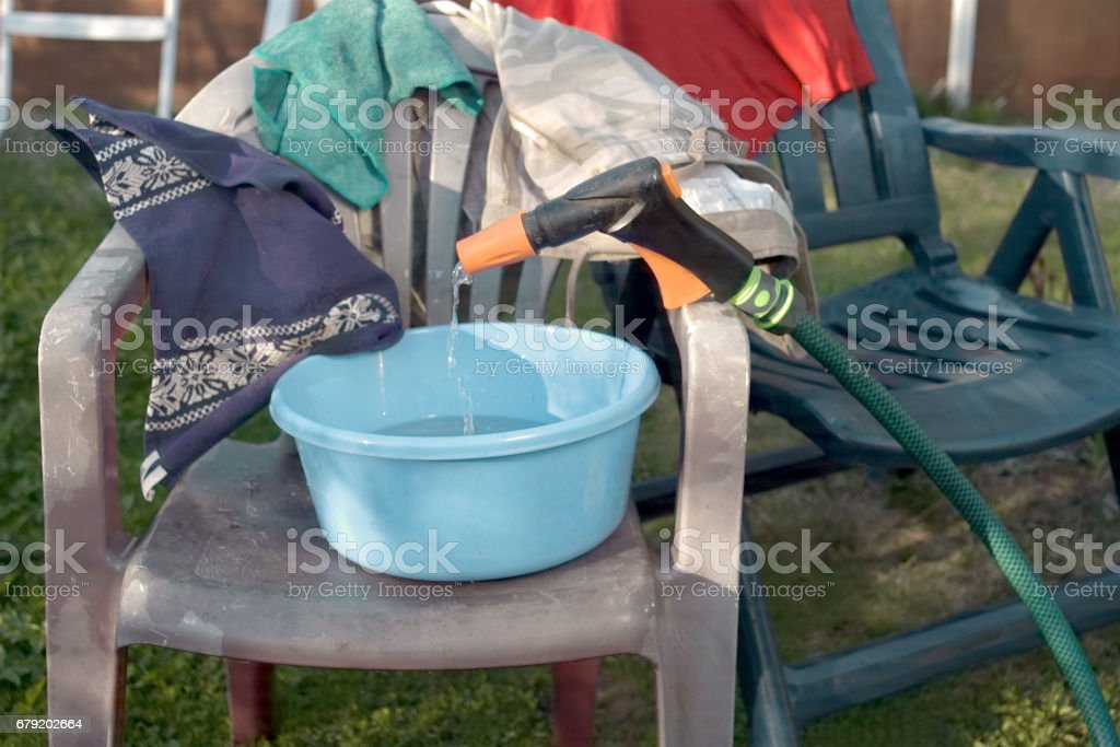 Washing Clothes Outdoor photo libre de droits