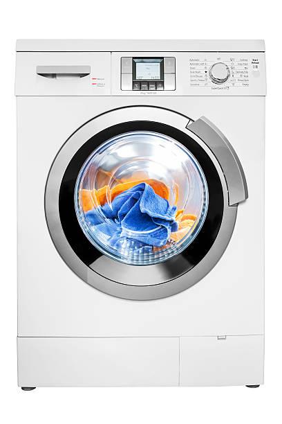 eine waschmaschine, die isoliert auf weiss, clipping path - waschmaschine fotos stock-fotos und bilder