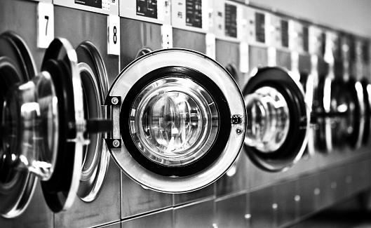 washing machine row with open doors