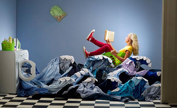 waschen pur - humor bücher stock-fotos und bilder
