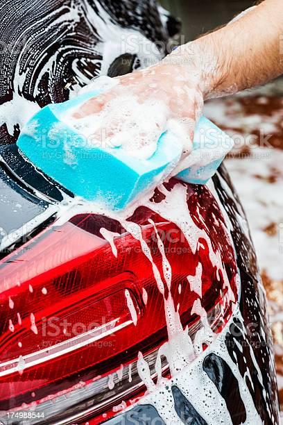 Waschen Mit Schwamm Stockfoto und mehr Bilder von Arbeiten