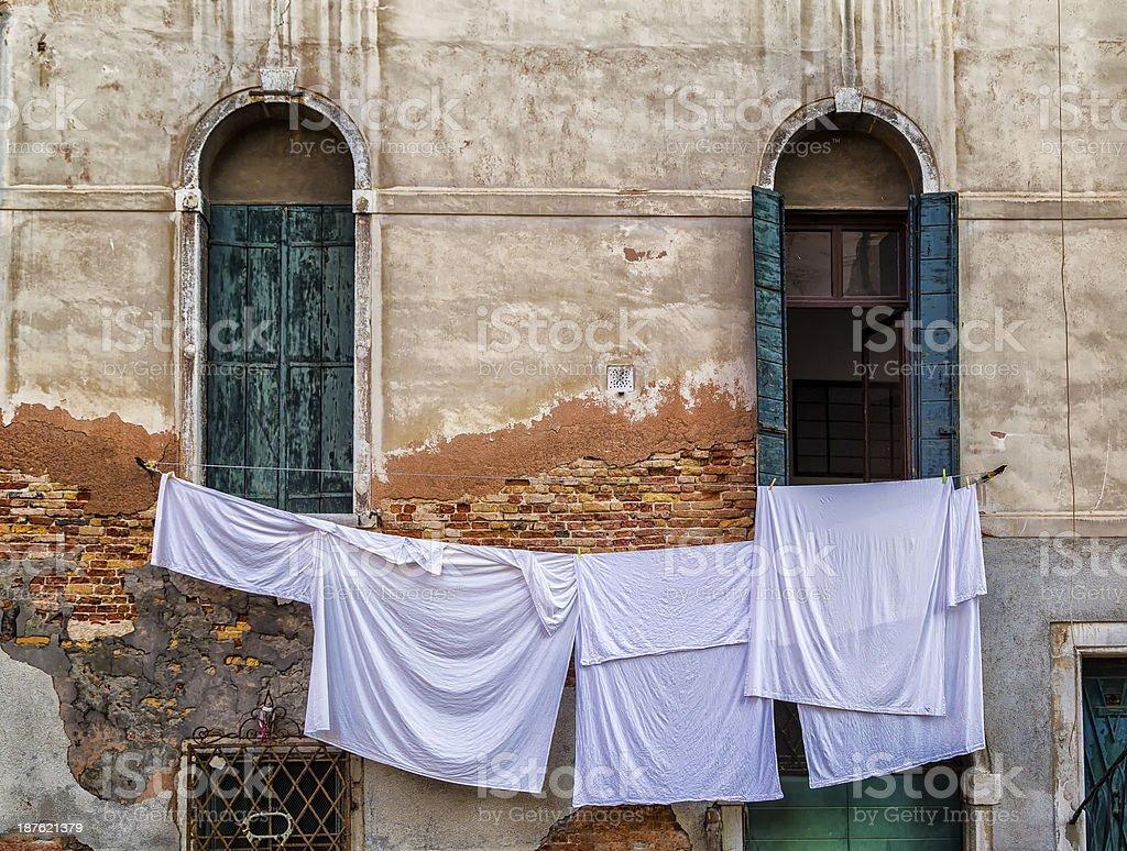 Waschungen wie neu auszusehen Trocknen in Venedig – Foto