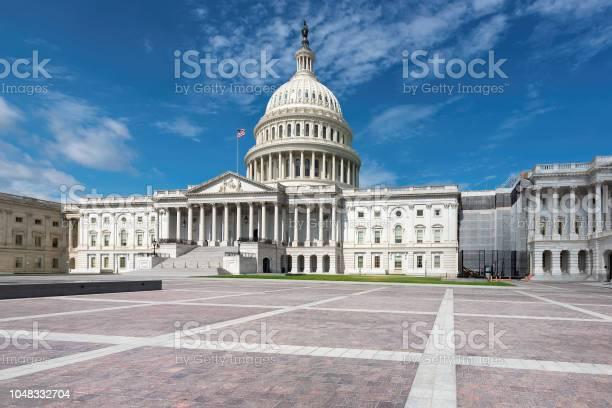 Washington dc us capitol building picture id1048332704?b=1&k=6&m=1048332704&s=612x612&h= sm0d6r1soih0sm5 rr3t7zaxozrdxc1aa4gql2e1kw=