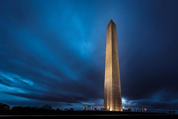 ワシントンモニュメントの夜 - 各国の観光地 ストックフォトと画像