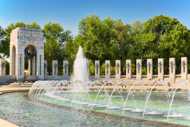 washington, usa, monument national world war ii memorial. - lincoln united stock-fotos und bilder
