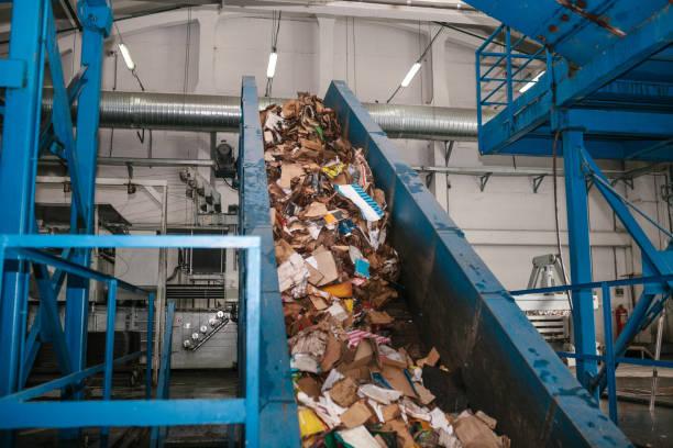 Abfallrecyclinganlage. Müllsortierung – Foto