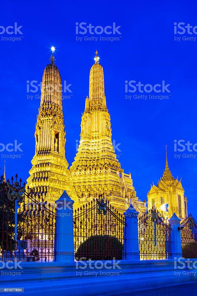 Temple de Wat Arun à Bangkok de nuit photo libre de droits