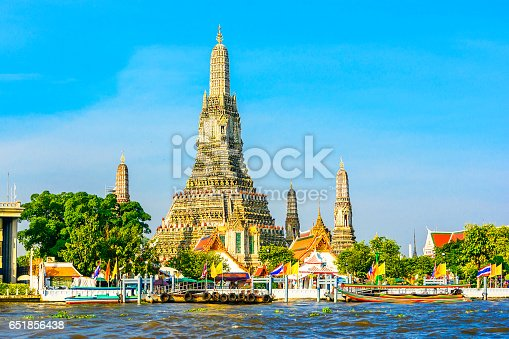 Wat Arun or Wat Chaeng, is situated on the west bank of the Chao Phraya River. Wat Arun or temple of the dawn is partly made up of colourfully decorated spires and stands majestically over the water.