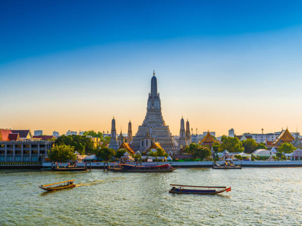 Wat Arun Temple of dawn in Bangkok Thailand Wat Arun Temple of dawn in Bangkok Thailand after restoration, 2018 thailand stock pictures, royalty-free photos & images