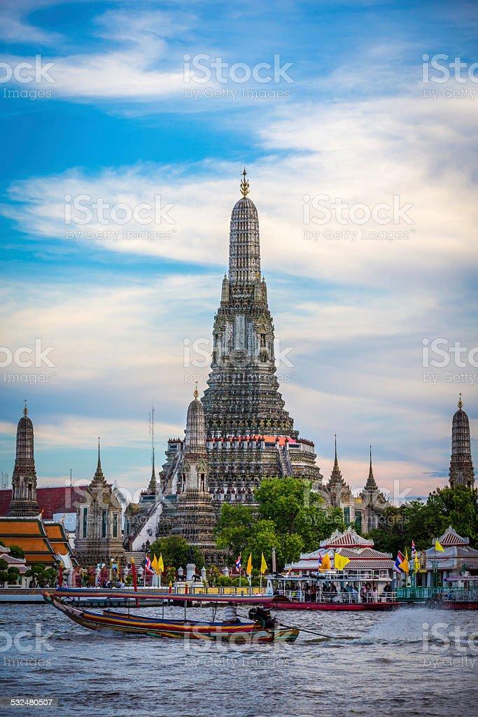 Wat Arun Temple on Sunny Day, Bangkok, Thailand stock photo