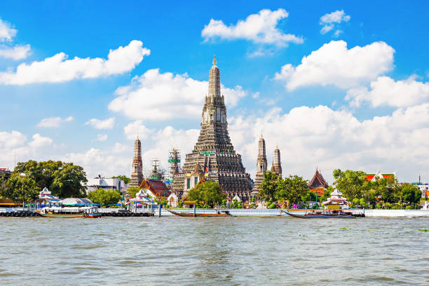 wat arun temple - thailand stock pictures, royalty-free photos & images