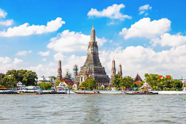 le temple wat arun - thaïlande photos et images de collection