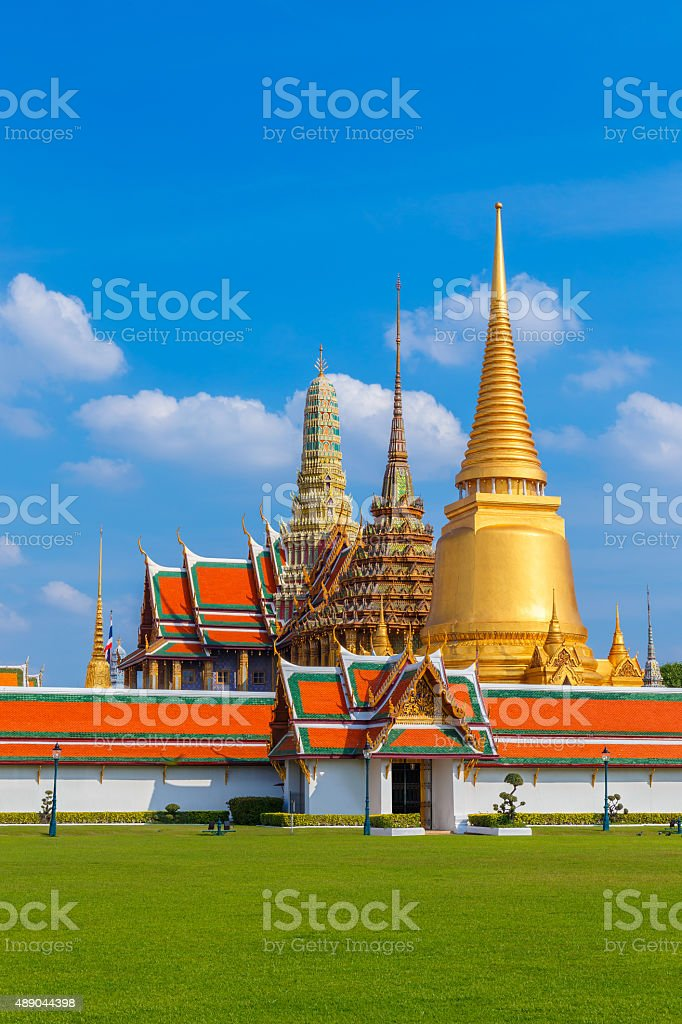 Wat Arun - the Temple of Dawn in Bangkok, Thailand stock photo