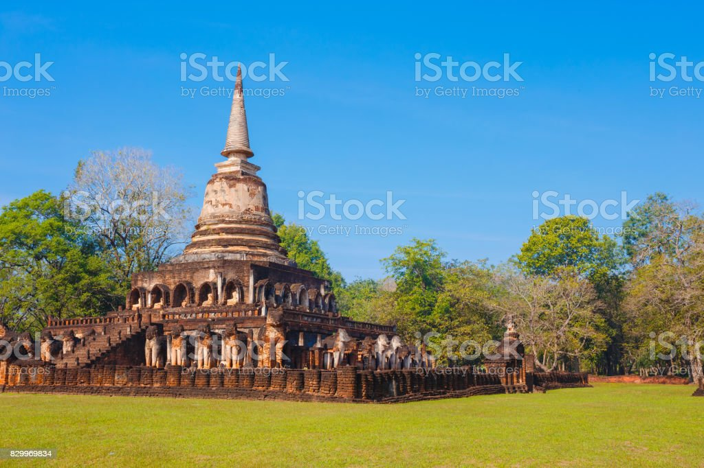 Wat Chang Lom Temple at Si Satchanalai Historical Park, a UNESCO world heritage site in Sukhothai, Thailand stock photo