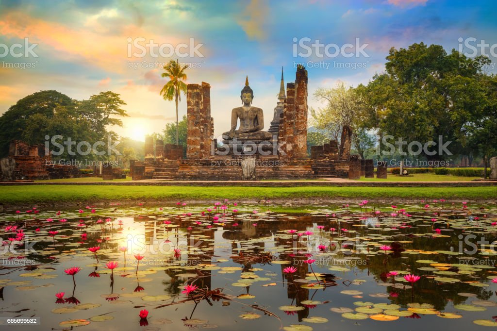 Wat Mahathat Temple in the precinct of Sukhothai Historical Park, a UNESCO World Heritage Site in Thailand stock photo