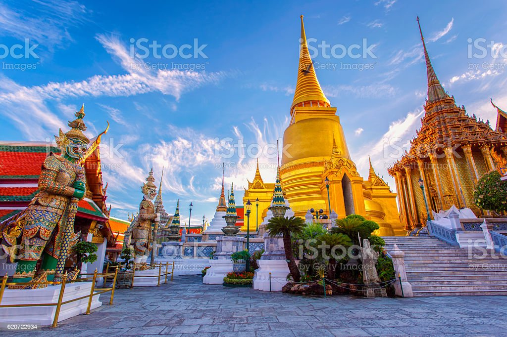 Wat Phra Kaew Ancient temple in bangkok Thailand圖像檔