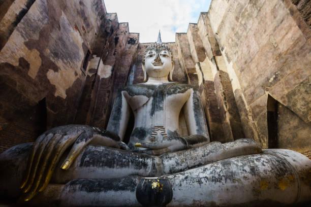 wat sri chum, sukhothai, tailândia - sukhothai - fotografias e filmes do acervo