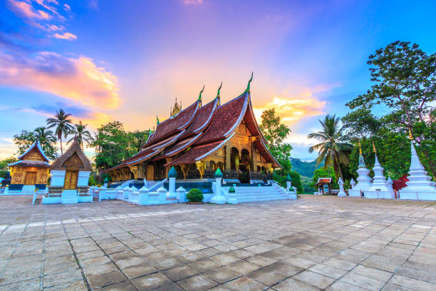 wat xieng thong (golden city temple) in luang prabang, laos. xieng thong temple is one of the most important of lao monasteries. - unesco foto e immagini stock