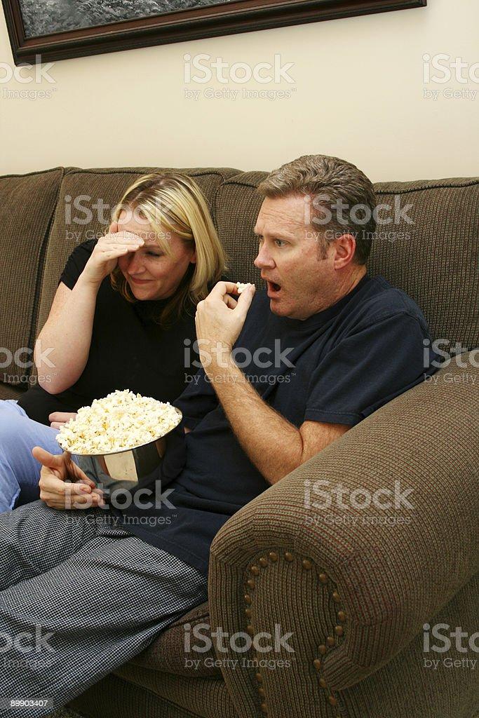 Watching Fernsehen Lizenzfreies stock-foto