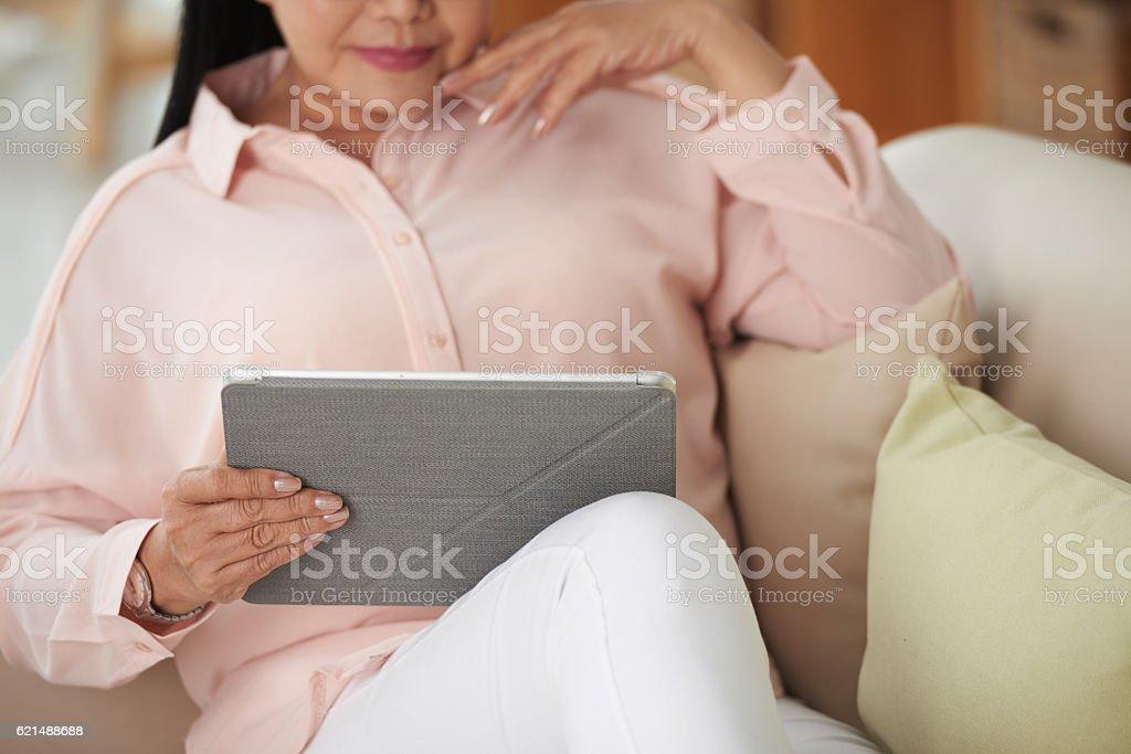 Vor dem Fernseher zeigen Lizenzfreies stock-foto