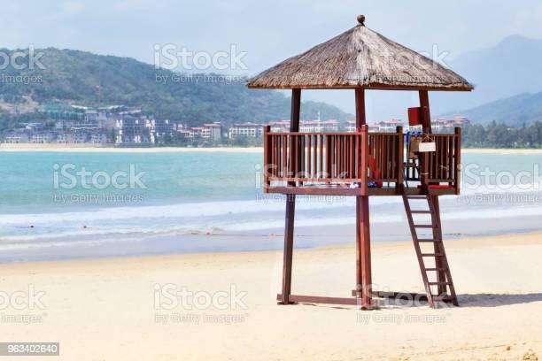 Strażnica Na Tropikalnej Plaży Na Wyspie Hainan Chiny - zdjęcia stockowe i więcej obrazów Bezpieczeństwo
