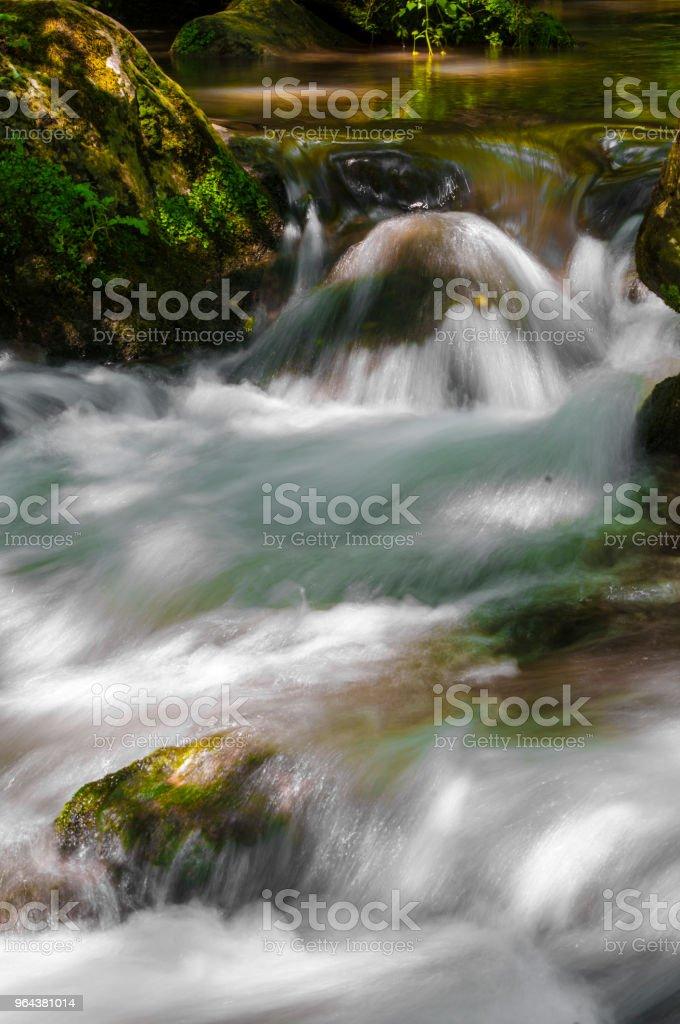 Água e pedras no Rio - Foto de stock de Beleza natural - Natureza royalty-free