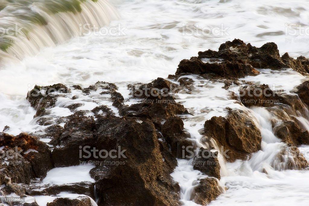 Agua y rocas foto de stock libre de derechos