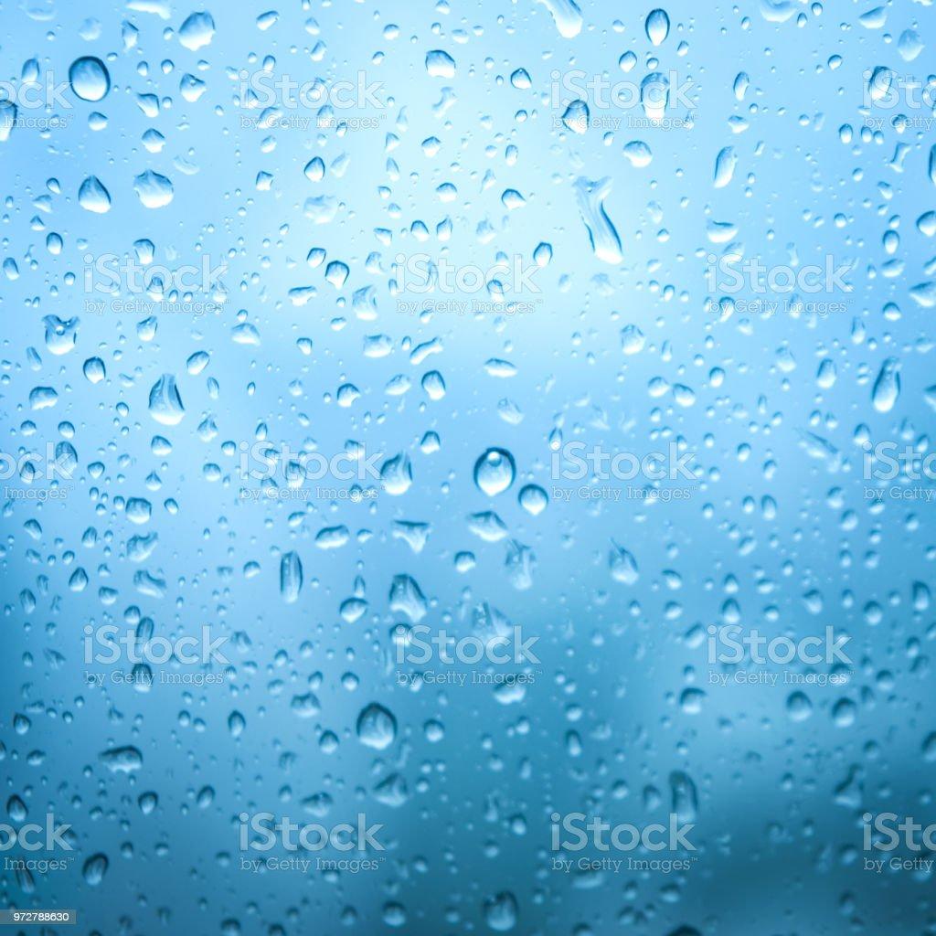 ガラス純粋な雨ドロップ抽象アクア背景青クリアカラー クローズ アップ