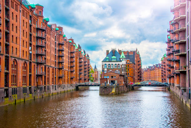 Water Castle in Hamburg's Hafen City Photo of Water castle building in hamburg hafen city germany wasser photos stock pictures, royalty-free photos & images