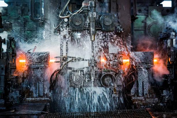 Molino de agua de refrigeración roling línea - foto de stock