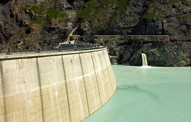Wasser-Staudamm – Foto