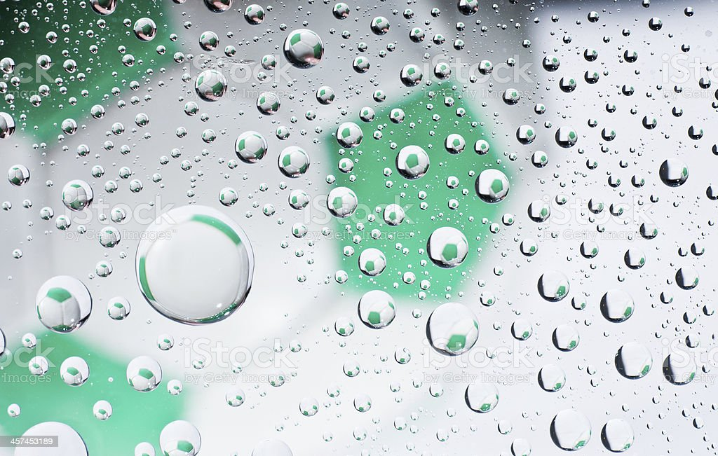 Gotas de água na superfície - foto de acervo
