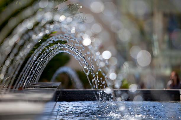 plan d'eau - fontaine photos et images de collection