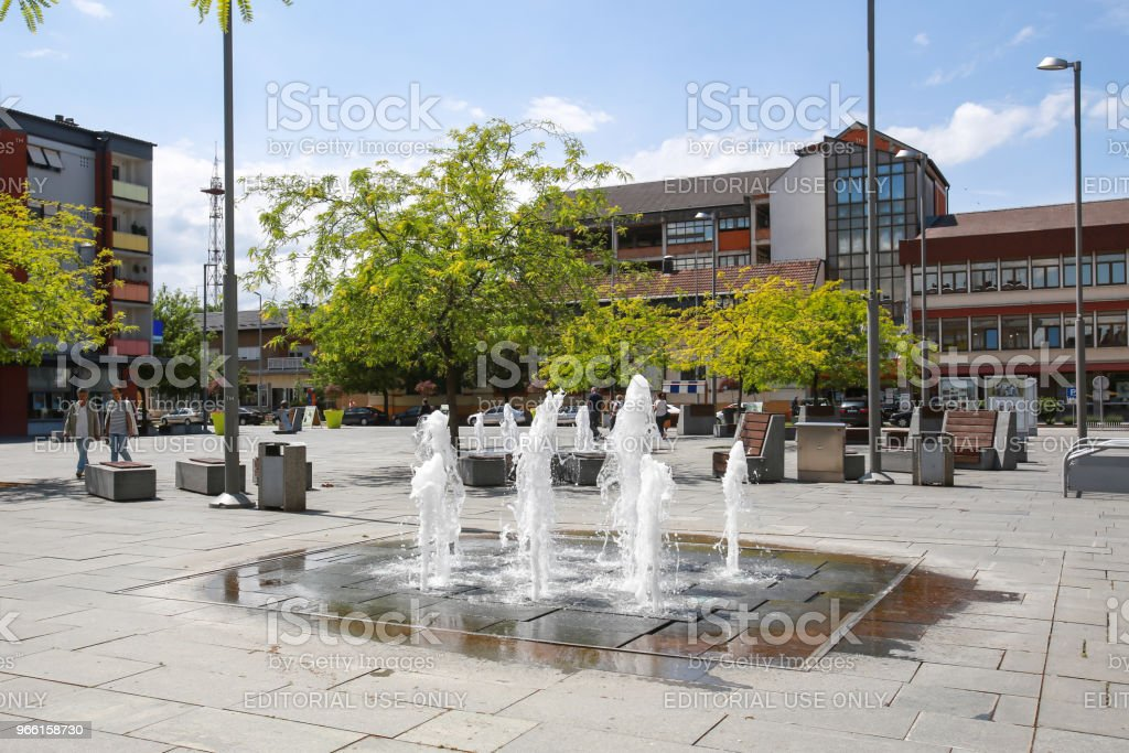Water fountain in Zupanja - Стоковые фото Большой город роялти-фри